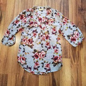 Beautiful women's Vera Wang floral top